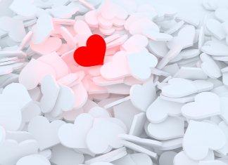 В манипулятора легко влюбиться?